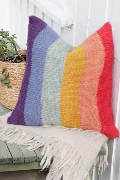30-gorgeous-free-round-crochet-pillow-pattern-ideas-new-2020