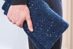 free-beginner-crochet-bella-clutch-pattern-2020