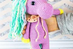 shy-unicorn-amigurumi-free-pattern-2020