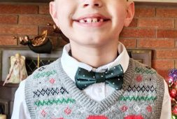 30-free-crochet-blusas-mod-christmas-sweater-crochet-pattern-ugly-christmas-sweater-ideas-2020