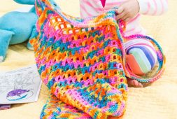 free-easy-crochet-tote-for-toys-bag-pattern